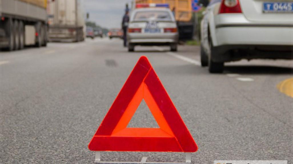 Восемнадцатилетний шофёр врезался встолб