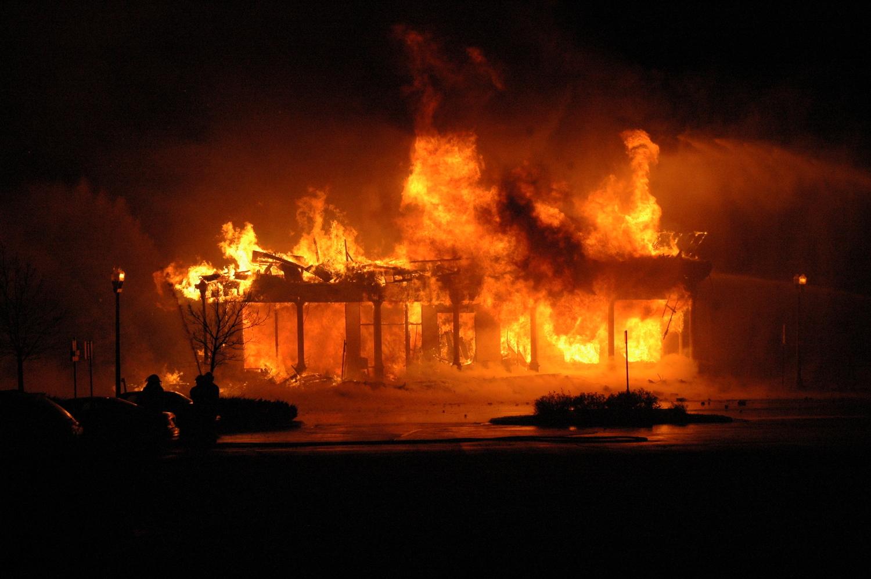 ВУзловском районе впожаре в личном доме пострадал человек
