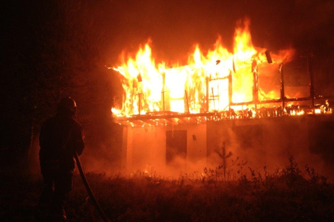 В Ярославском районе во время пожара погиб мужчина