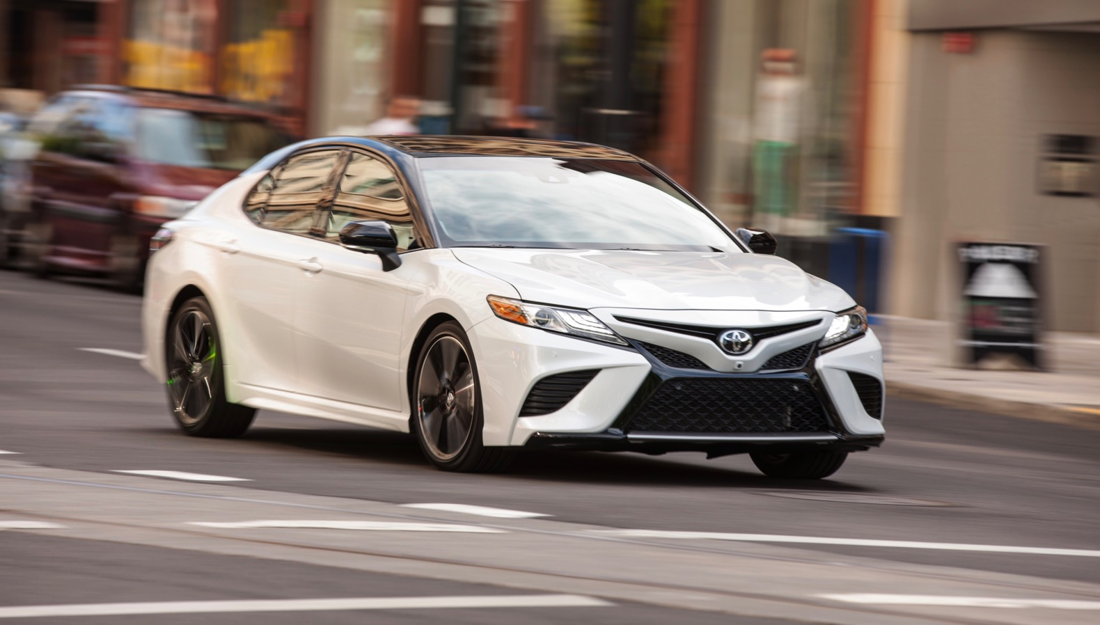В конце года на российском рынке появится новая Toyota Camry