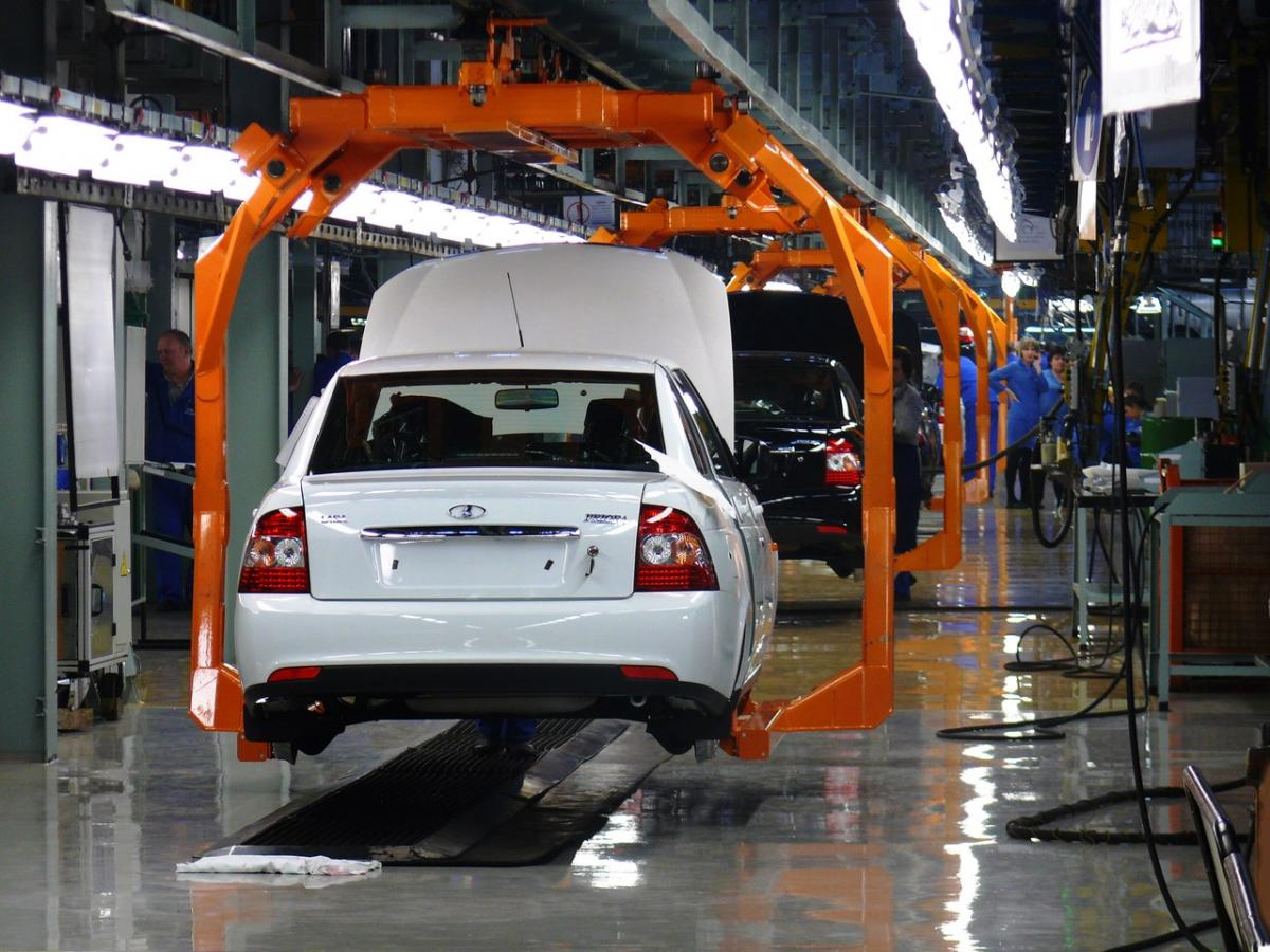В Российской Федерации увеличились продажи отечественных авто