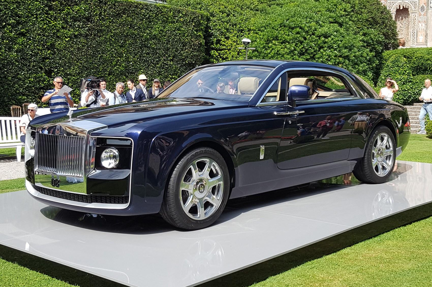 Вшоу-руме Роллс Ройс появился автомобиль Sweptail за13 млн. долларов