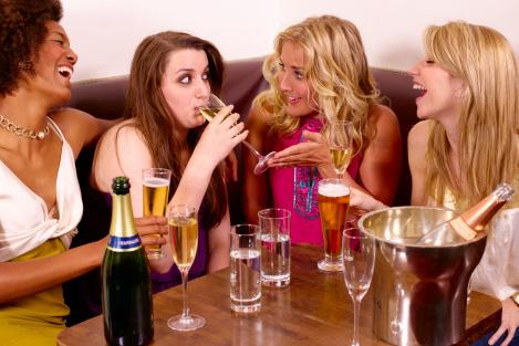 Спирт впроцессе празднования совершеннолетия может привести кзапою— Ученые