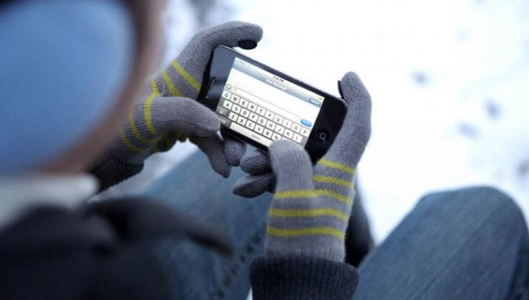 Как нужно пользоваться телефоном при морозе, поведали специалисты