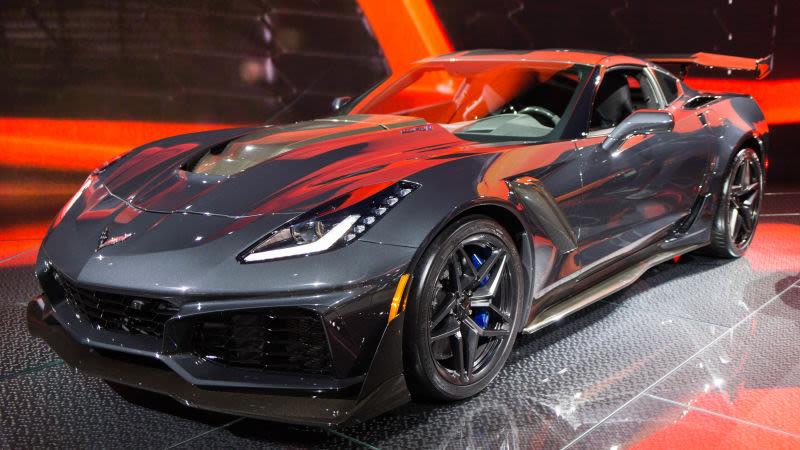 1-ый новый Corvette ZR1 продали нааукционе за $925 тыс.