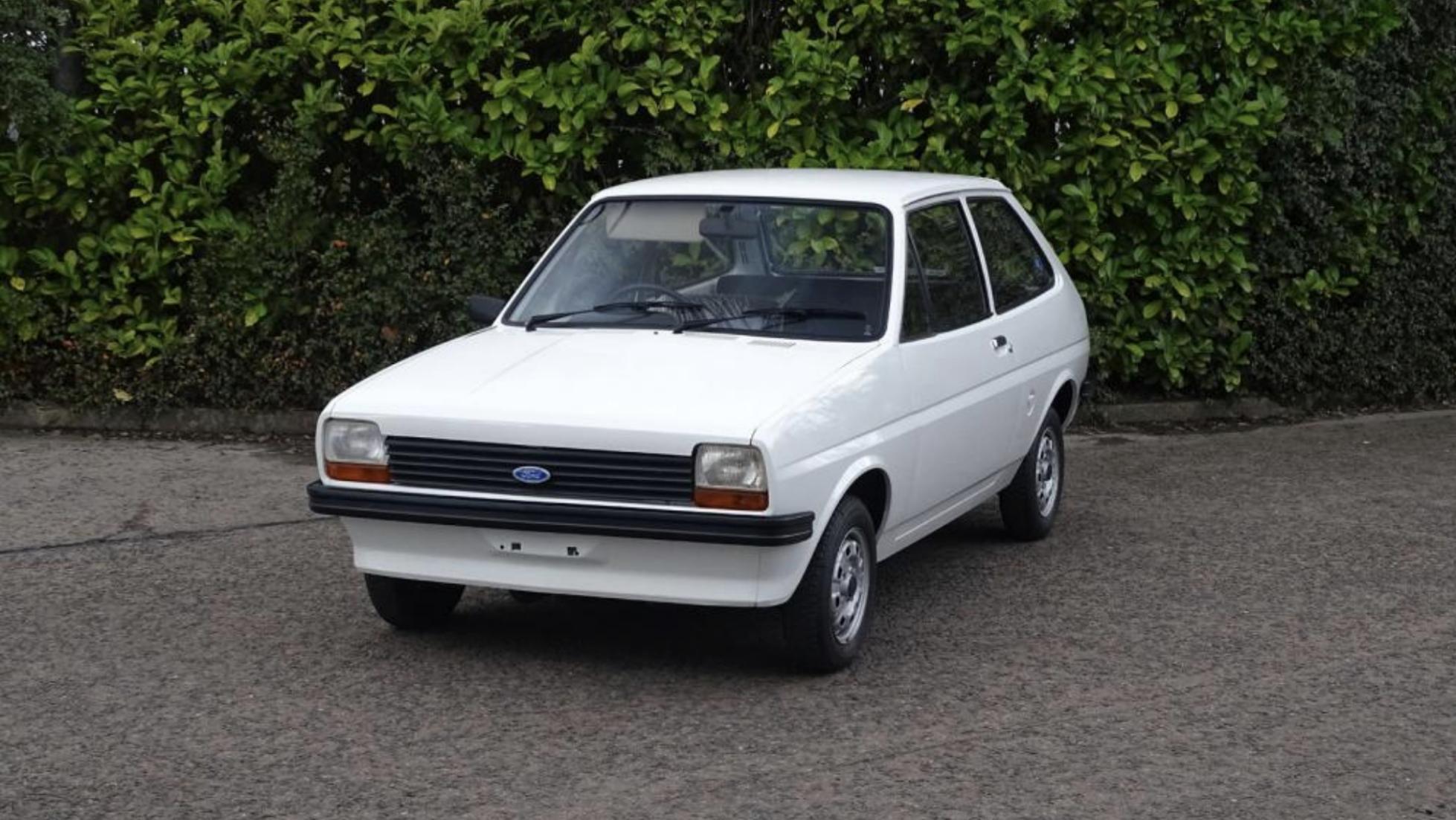Форд Fiesta 1978 года выпуска выставлен наторги