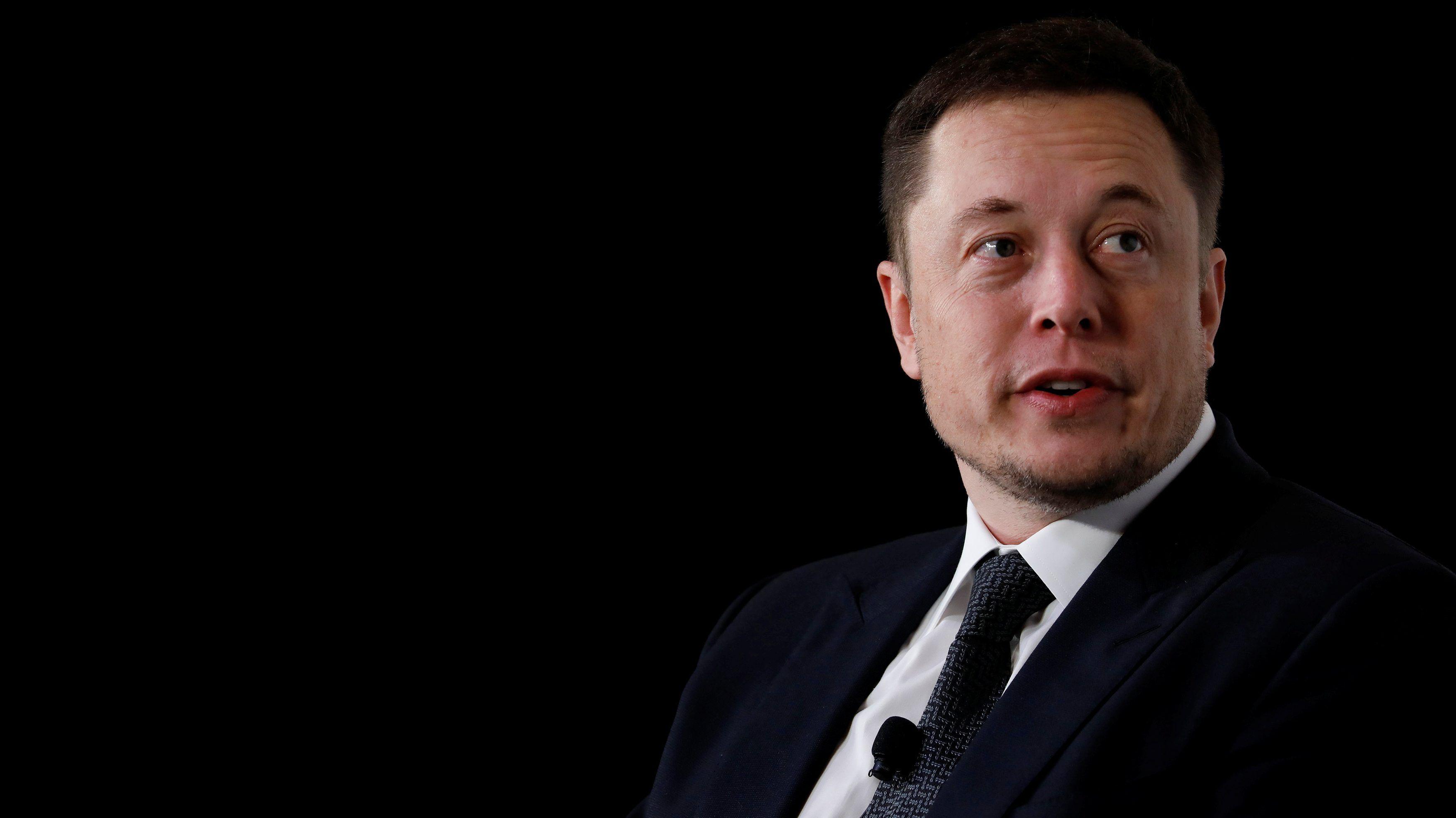 Илон Маск намеревается открыть торговлю огнеметами