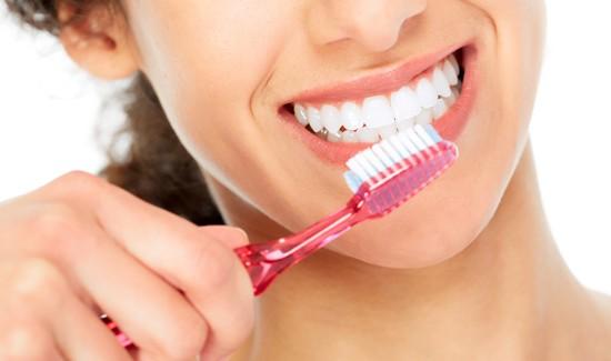 Ученые: чистка зубов продлевает жизнь на6 лет