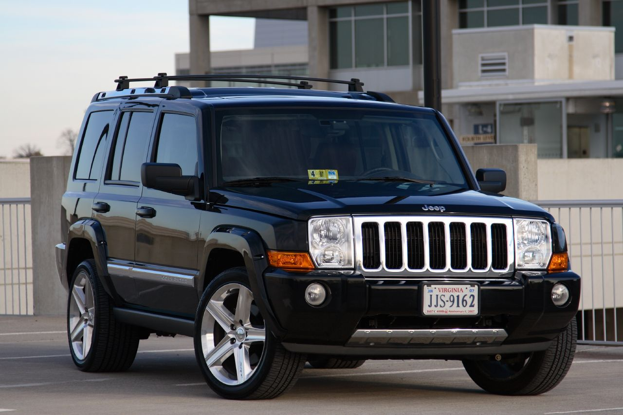 Новый вседорожный автомобиль Jeep получит версии Commander иGrand Commander