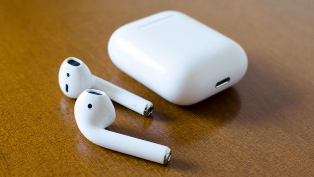 Владельцы наушников Apple Air Pods жалуются на мигрень
