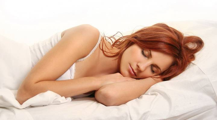 Ученые: длительность сна влияет накачество секса после менопаузы