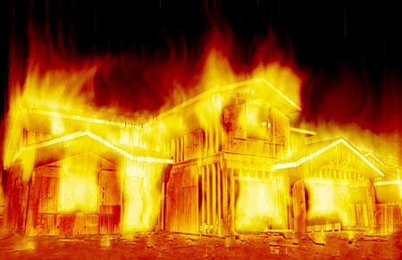 Петербург: впожаре напроспекте Ударников эвакуировали 10 человек