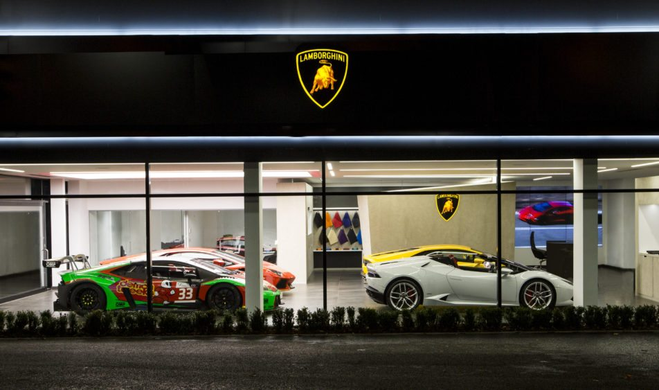Попродажам Lamborghini на рынке Российской Федерации первый раз обогнал Феррари