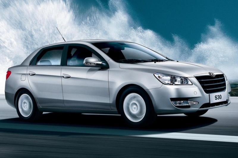 Седан DFM S30 ушел с русского рынка из-за низкого спроса