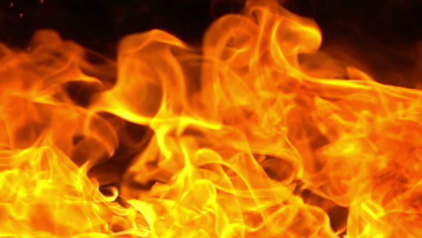 Жильцов многоэтажного дома эвакуировали из-за пожара вРостове