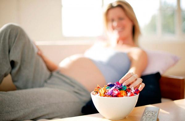 Ученые: Употребление сладкого впериод беременности приведет к небольшому интеллекту ребенка