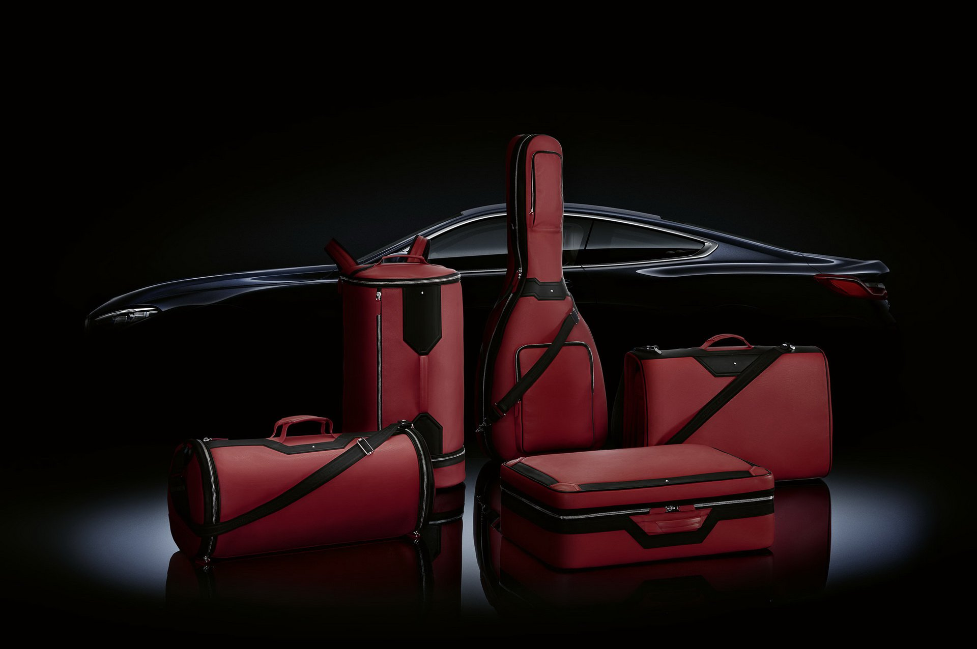 Набор сумок для БМВ 8 оценили дороже нового автомобиля