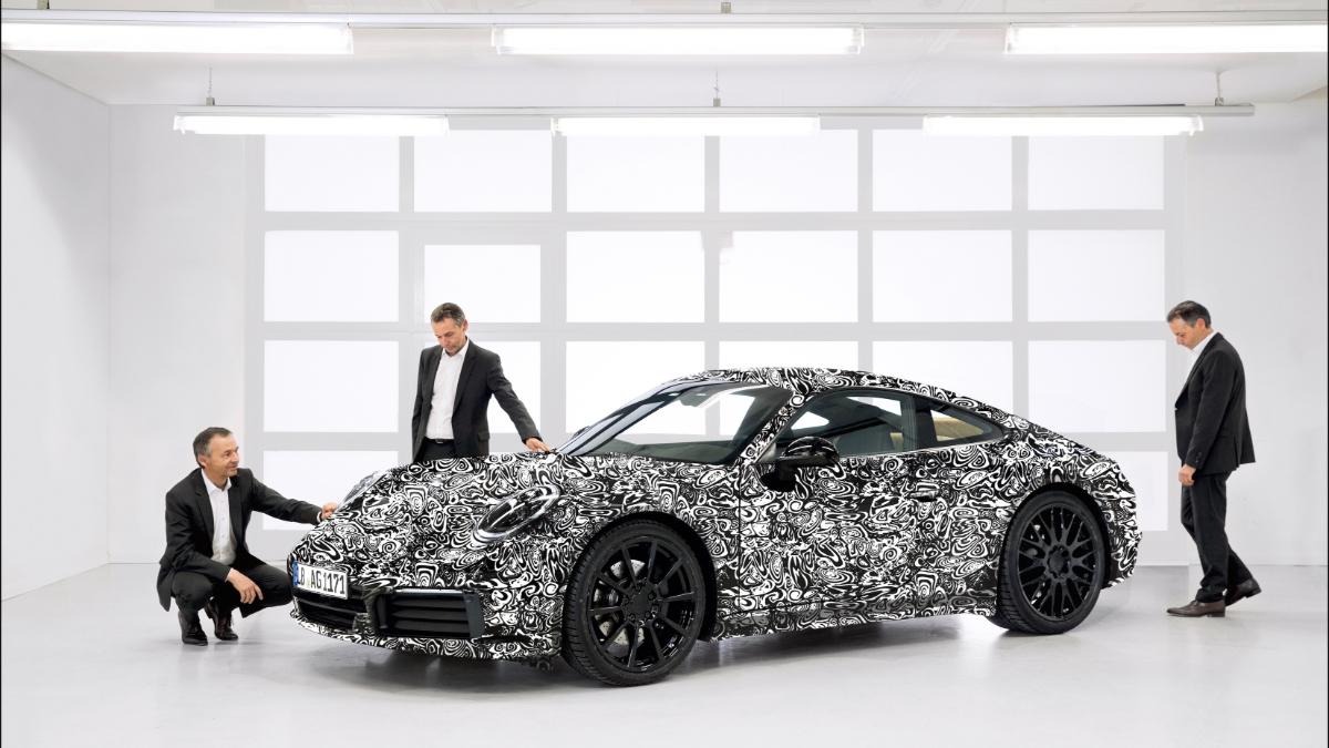 Компания Porsche рассекретила новое поколение купе Porsche 911
