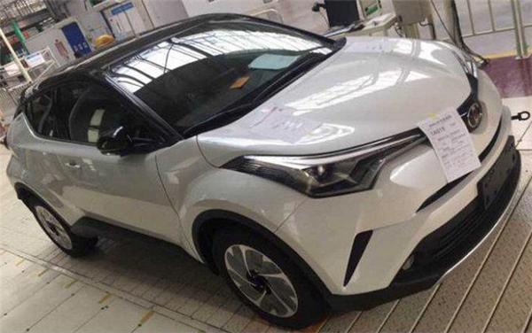 Японская компания Тойота рассекретила собственный новый кроссовер Тоёта IZOA