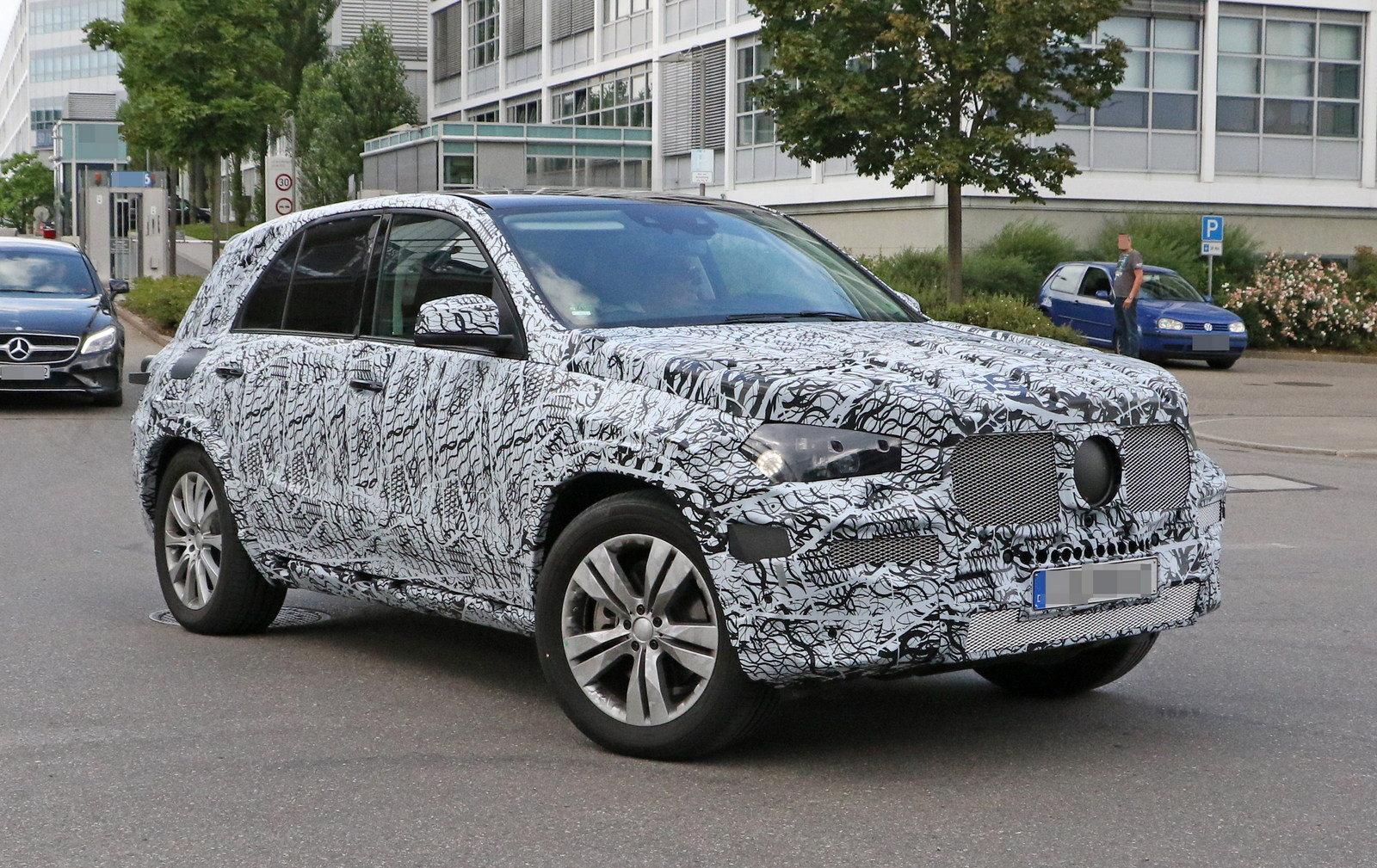Benz GLE замечен фотошпионами натестах