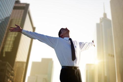 Психологи назвали восемь признаков удачного человека
