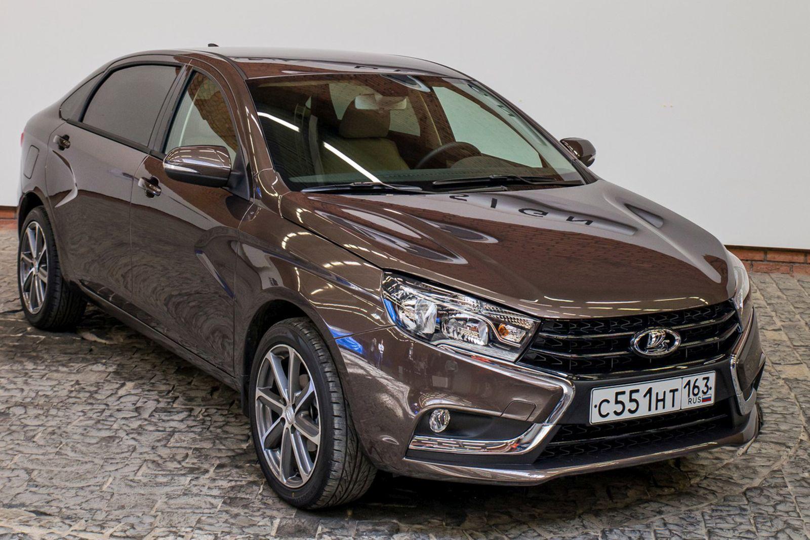 Лада  Vesta уступила звание самого известного  автомобиля РФ