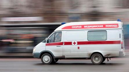 ВТольятти нетрезвый шофёр врезался вбордюр, пострадали двое