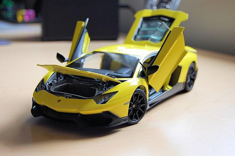 Lamborghini Aventador специально сожгли вчесть обряда