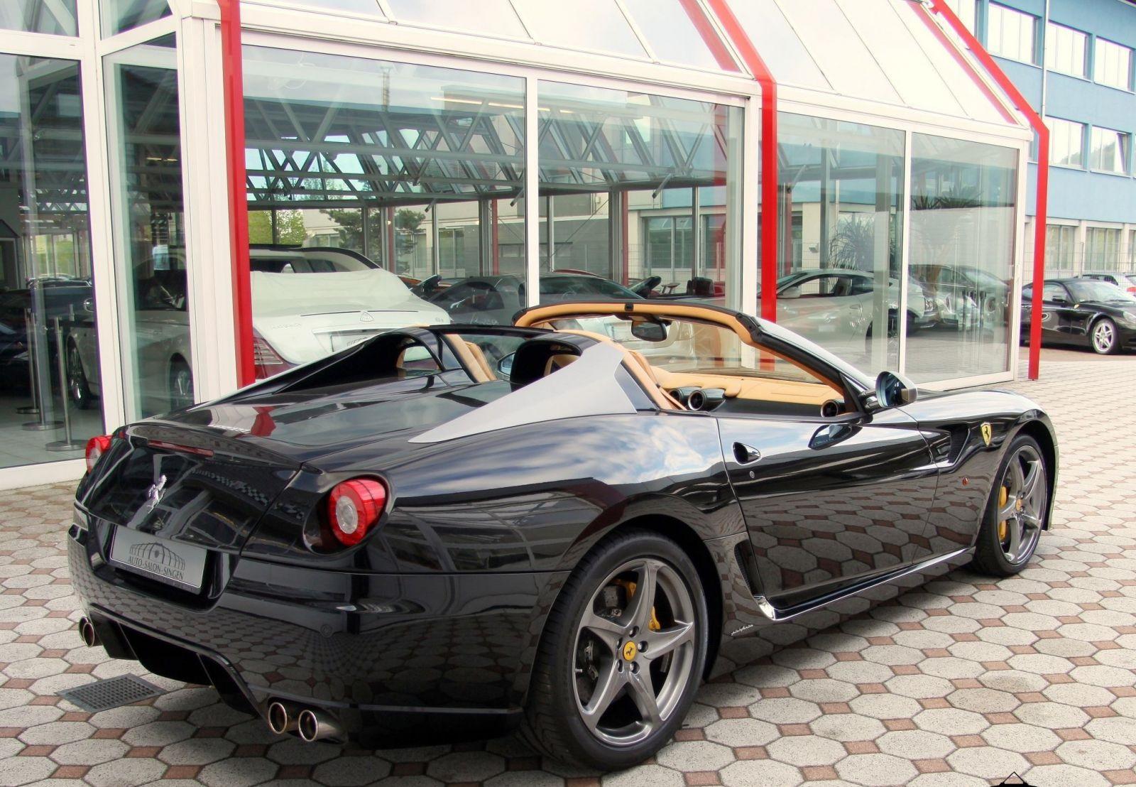 ВГермании выставили на реализацию необычайный Феррари 599 SAAperta
