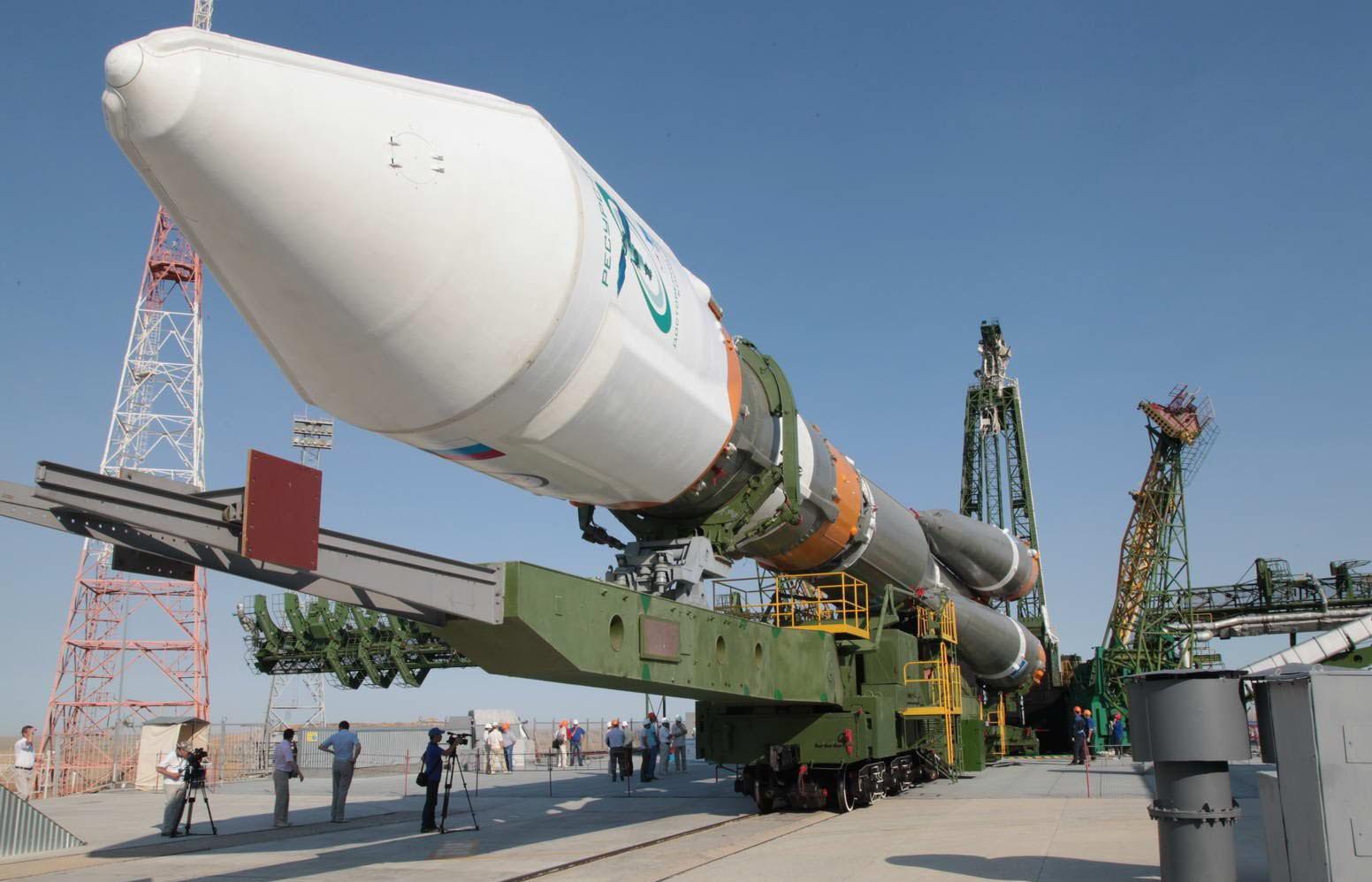 На космодроме Восточный начали сухой вывоз ракеты Союз-2