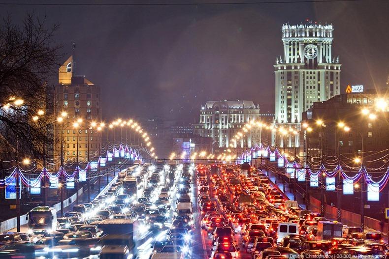 Московский автомобильный парк насчитывает неменее 4 млн легковых машин
