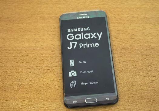 Самсунг выпустила улучшенный Galaxy J7 Prime 2