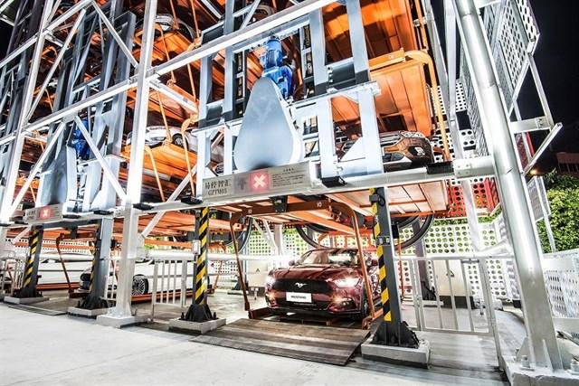 В Китае начал работать вендинговый автомат по продаже автомобилей Ford