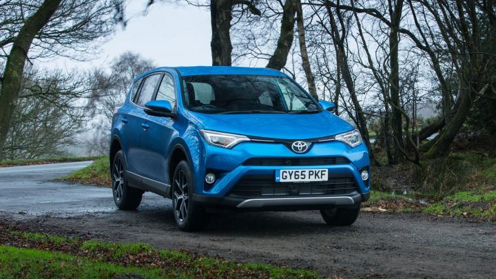 Тойота отзывает 3 млн машин из-за трудностей сподушками безопасности