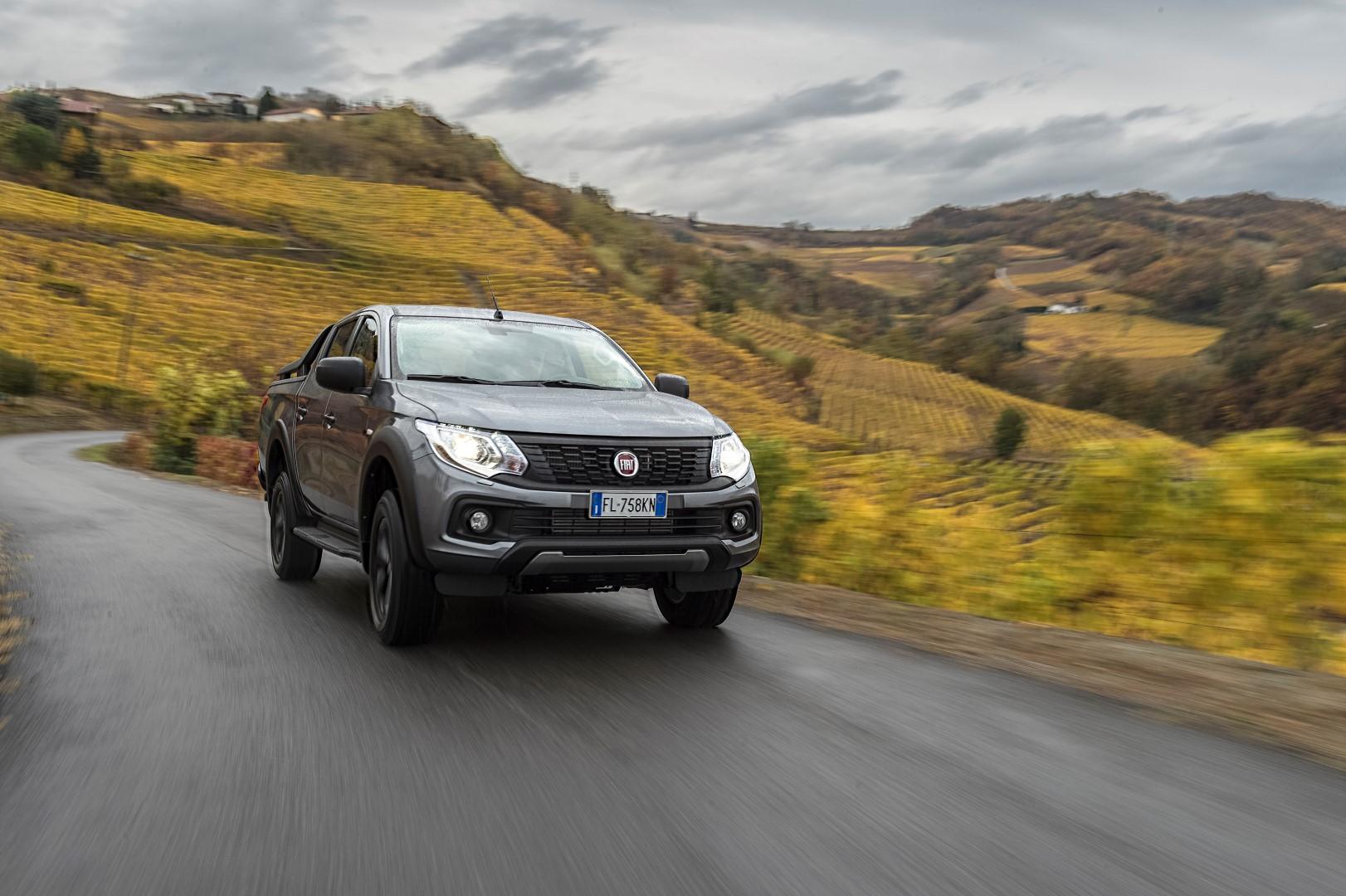 Начались продажи рестайлинговой версии пикапа Фиат Fullback в Российской Федерации