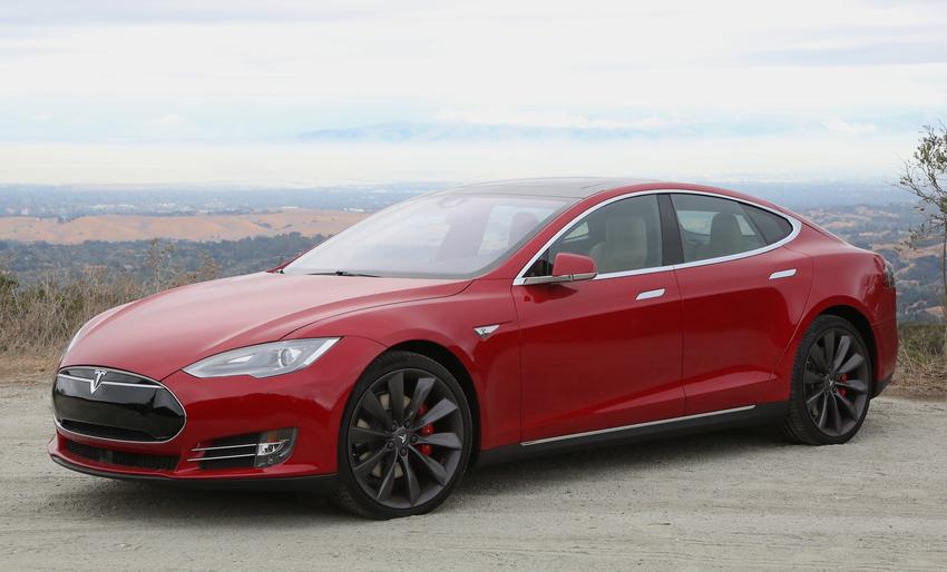Заказчикк Tesla Model S получил сломанный электрокар