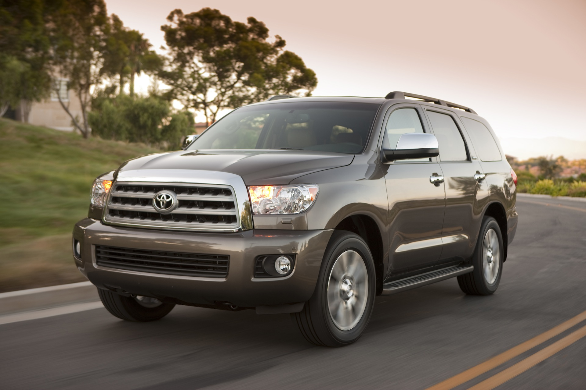ТОП-10 самых долговечных автомобилей возглавила Toyota Sequoia