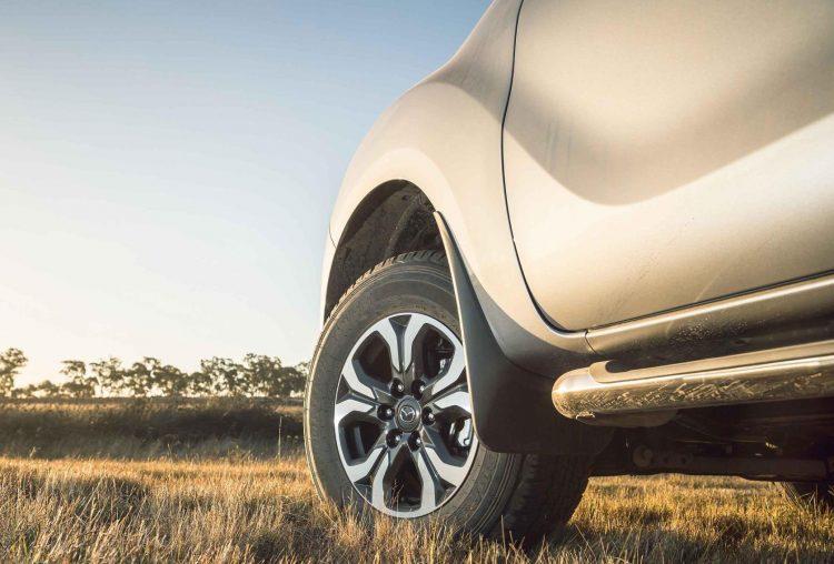 Mazda анонсировала премьеру обновленного пикапа BT-50 2018 модельного года