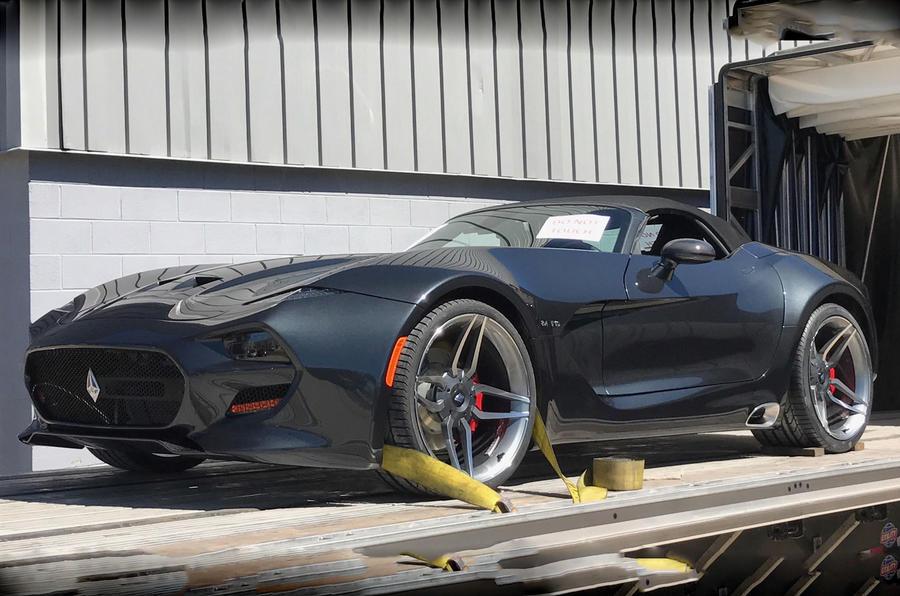 Появились первые снимки суперкара F1 Roadster с мягким верхом