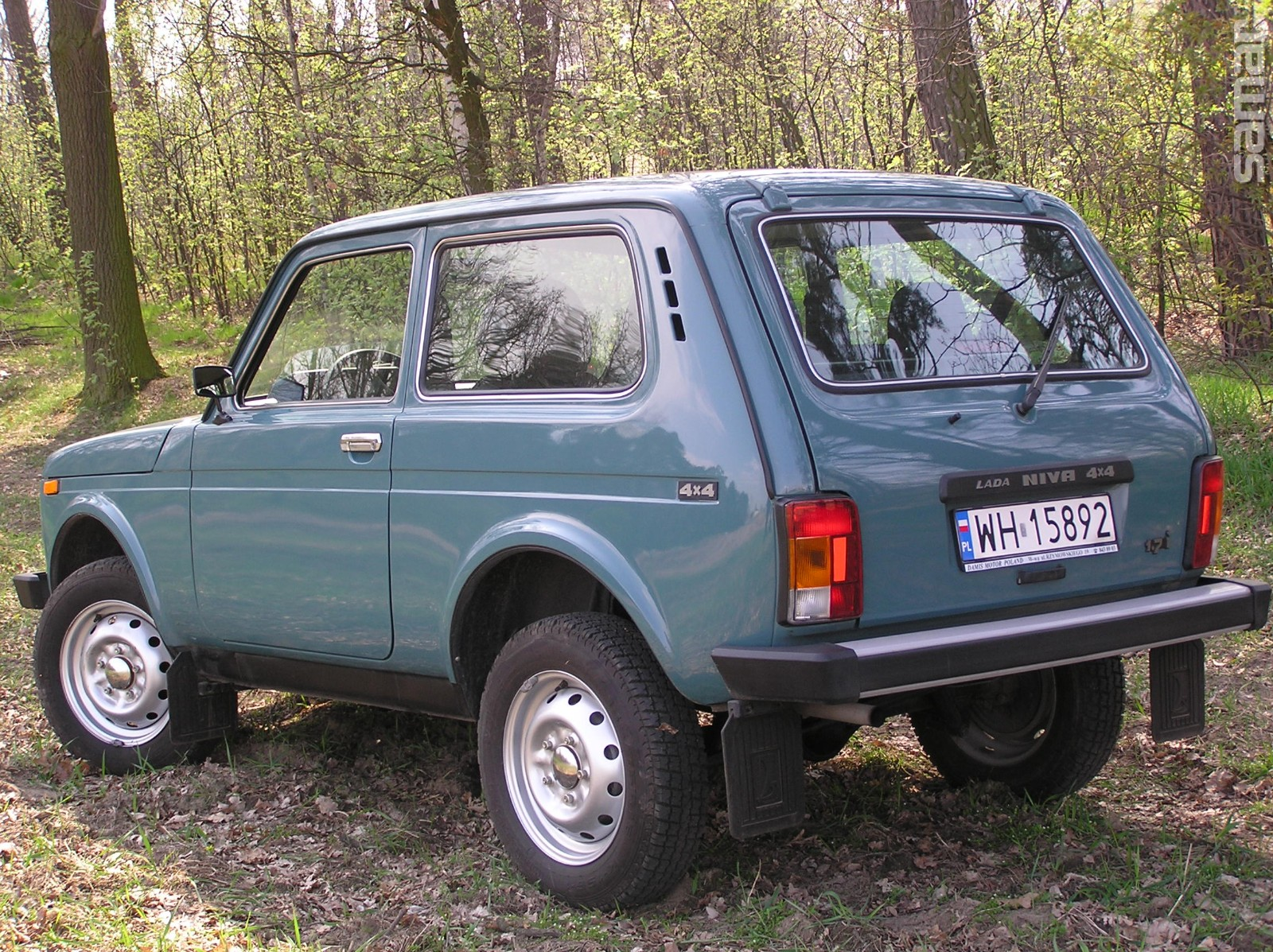 Трехдверный вседорожный автомобиль Лада 4x4 вырос встоимости на, 6 000 руб.