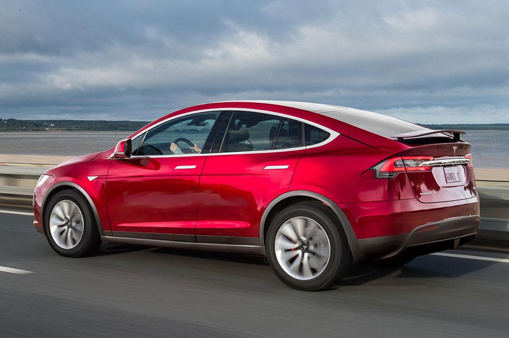 Кроссовер Tesla Model Yначнет выпускаться в 2019-ом году