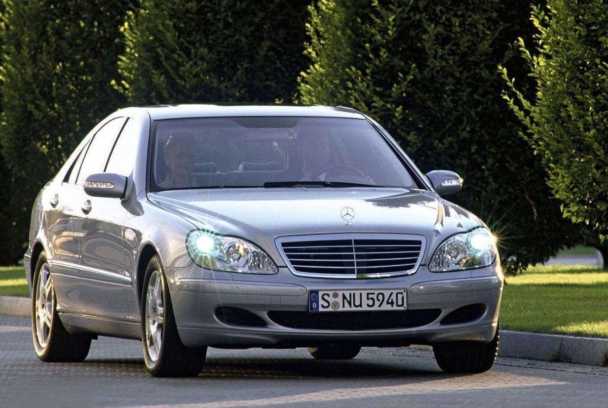 В РФ зарегистрировано 2,7 млн премиальных авто
