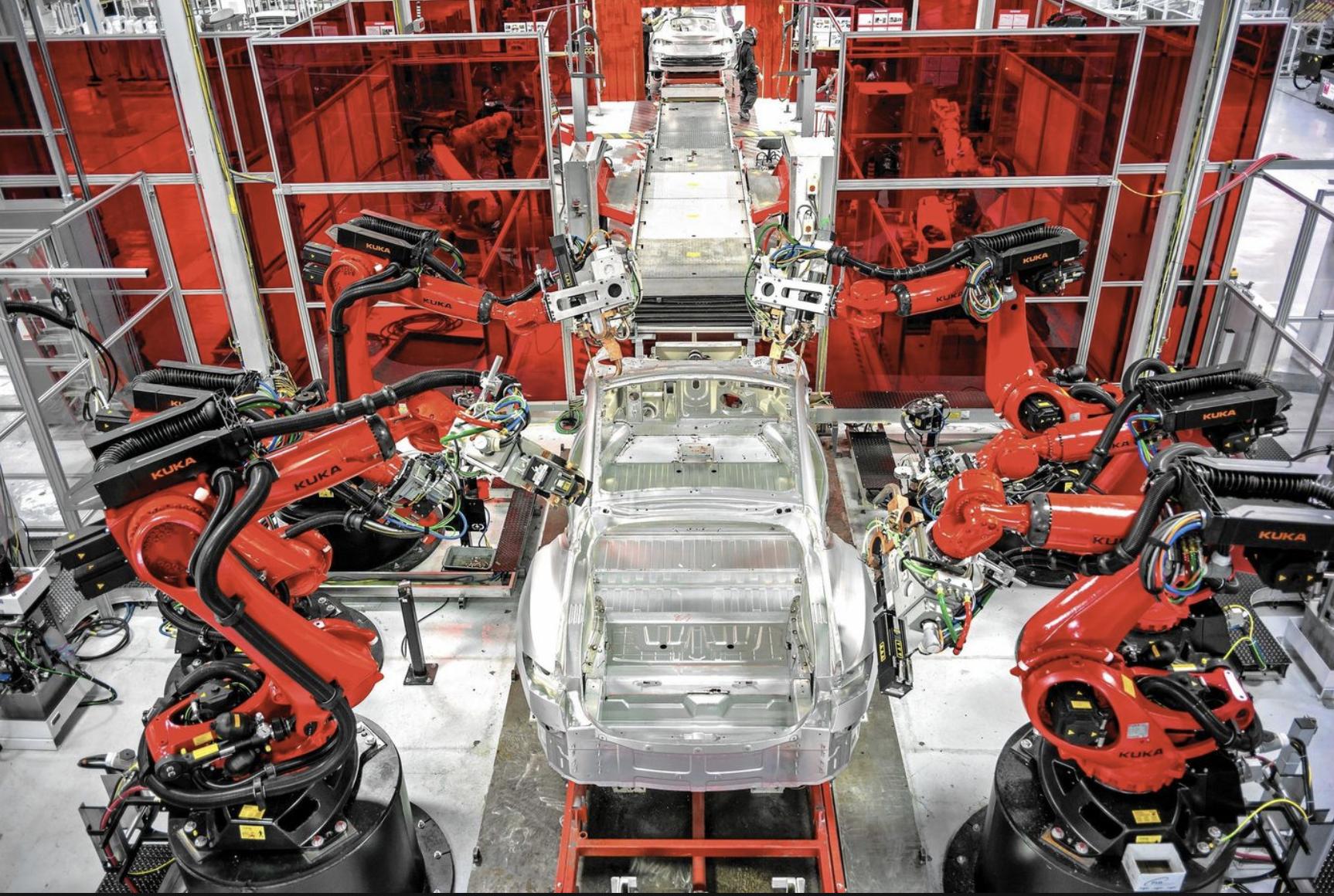 Илон Маск признал что чрезмерная автоматизация завода Tesla являлась ошибкой