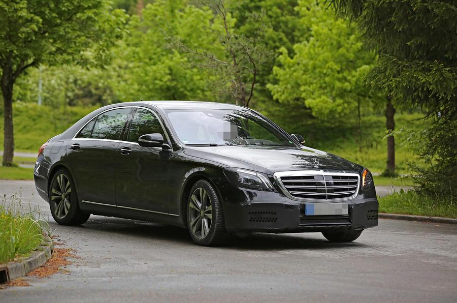 Компания Mercedes презентовала улучшенный  седан S-Class