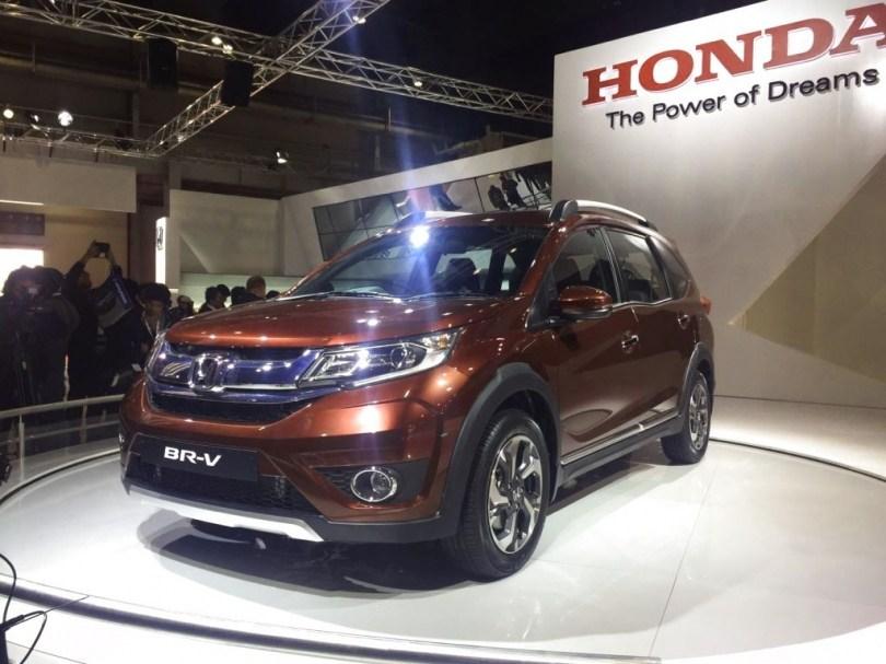 Хонда презентовала рестайлинговый паркетник BR-V
