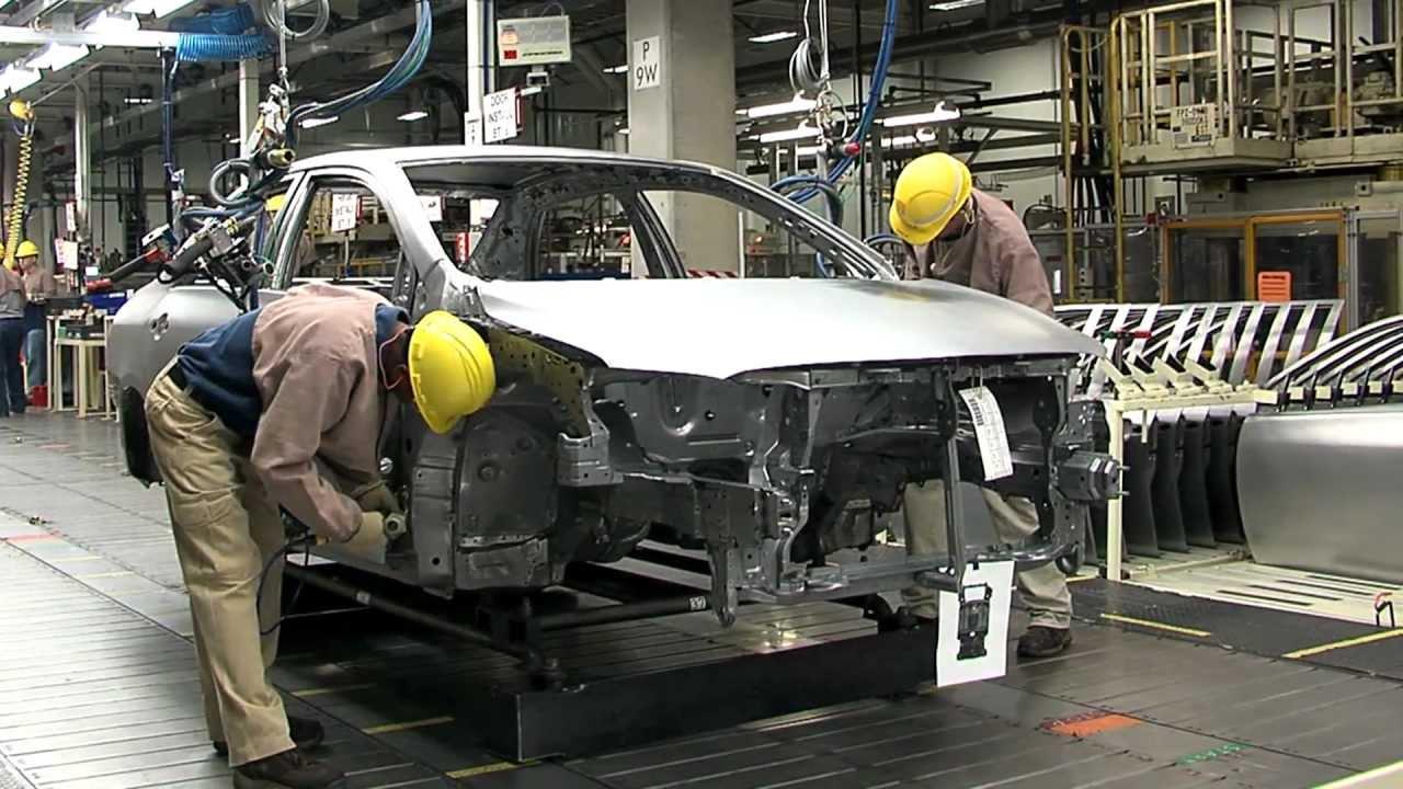 Петербургские заводы снизили производство авто на9%