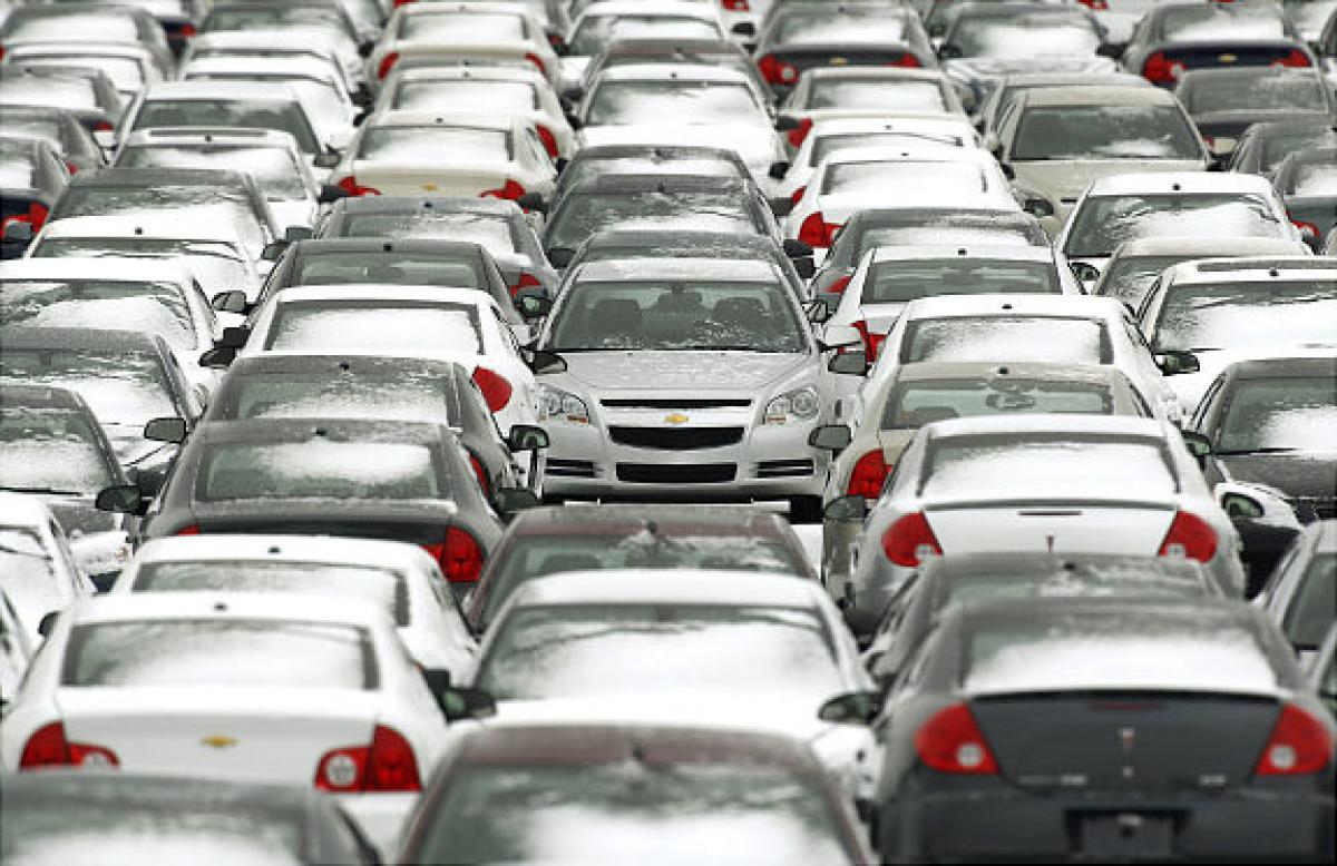 Ведущие автопроизводители весной сократили продажи вСША