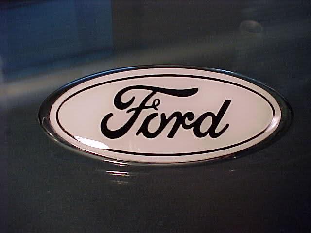 Форд снизил расценки на детали в РФ