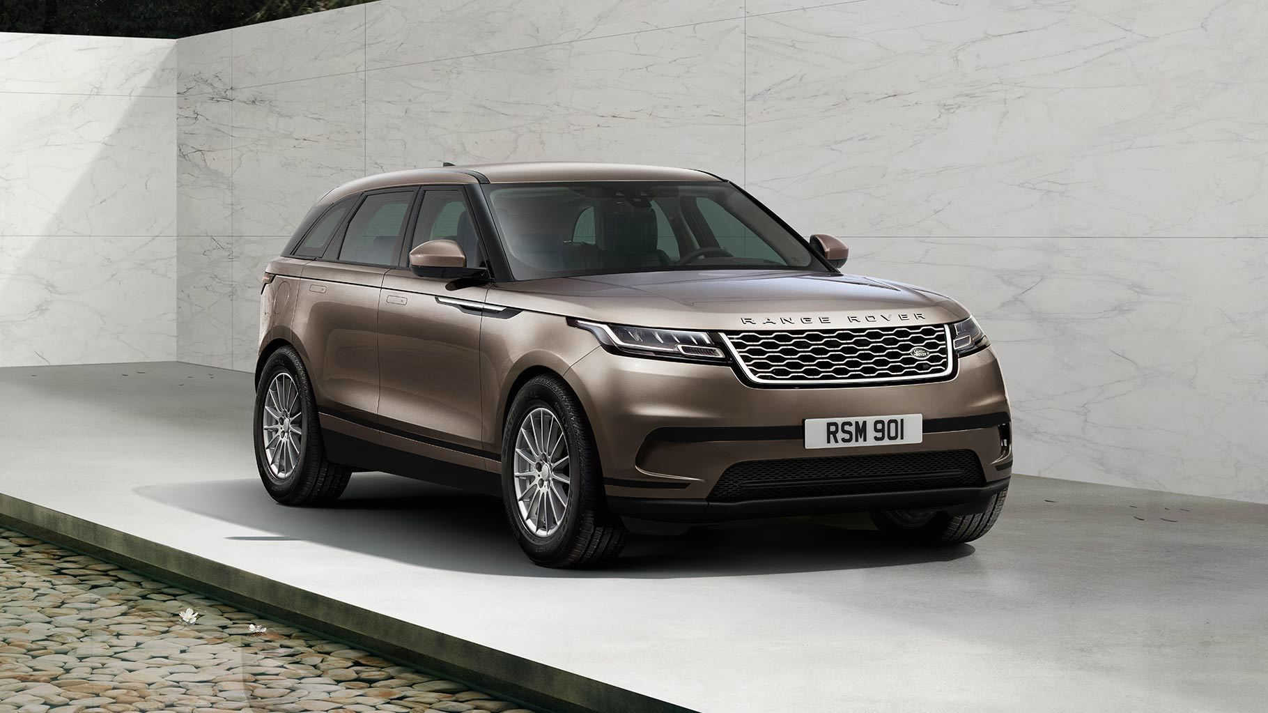 Кроссовер Range Rover Evoque получил особую версию «Landmark Edition»