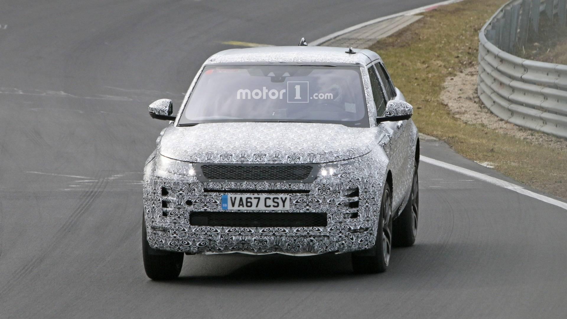 Range Rover Evoque вобновленном варианте был замечен натреке вНюрбургринге